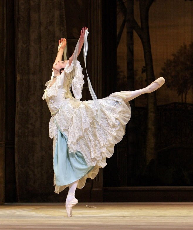 Alexandra Ansanelli as Natalia Petrovna in A Month in the Country © Dee Conway/ROH 2008