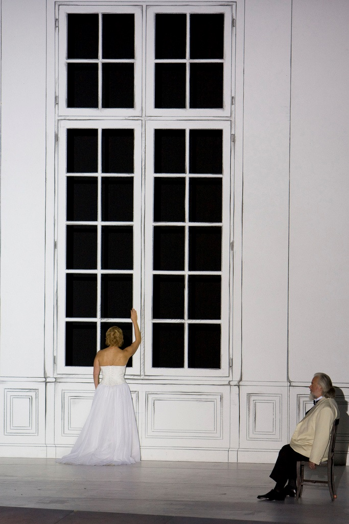 Nina Stemme as Isolde & Sir John Tomlinson as King Marke in The Royal Opera's production of Tristan and Isolde. Photograph: © Bill Cooper / ROH 2009