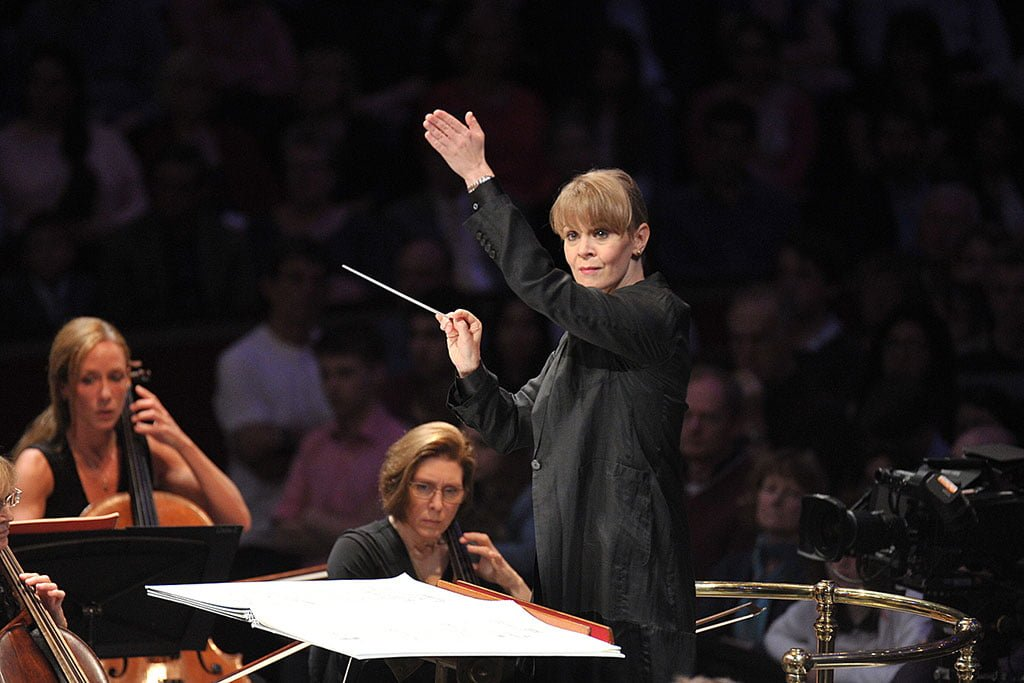 Susanna Mälkki conducts the BBC Symphony Orchestra in a performance of Holst's 'The Planets' at the BBC Proms 2015Photograph: BBC/Chris Christodoulou