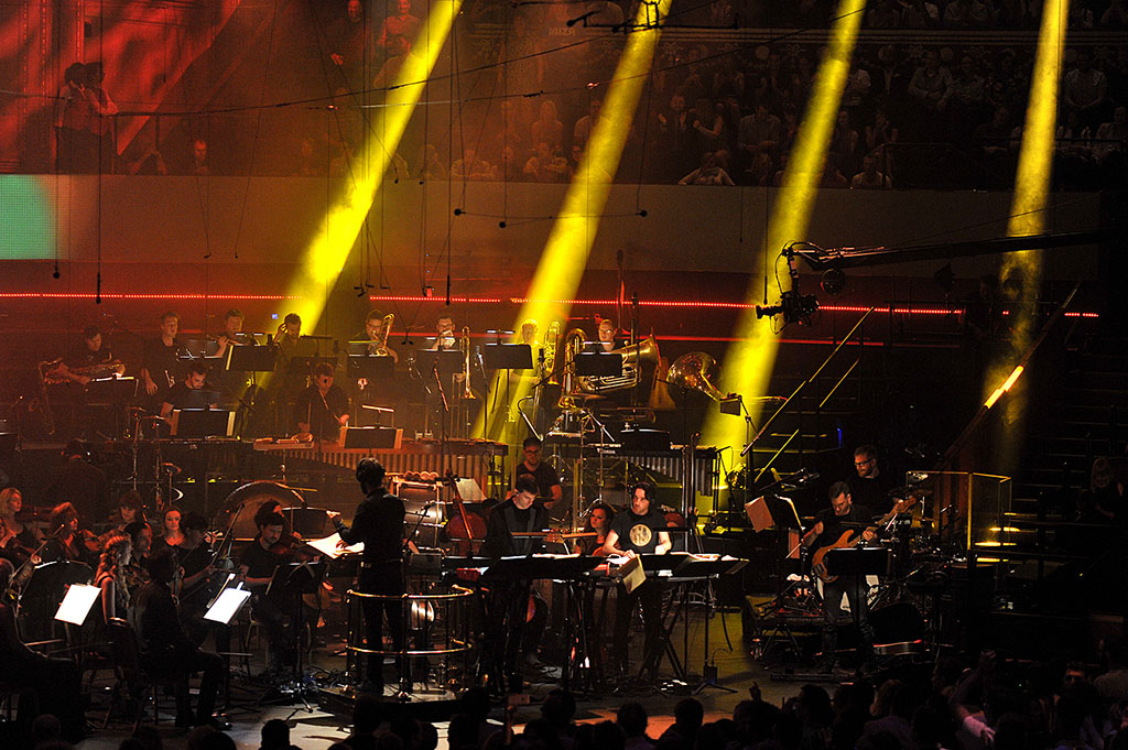 Prom 16 late night with bbc radio 1 ibiza prom with for Heritage orchestra
