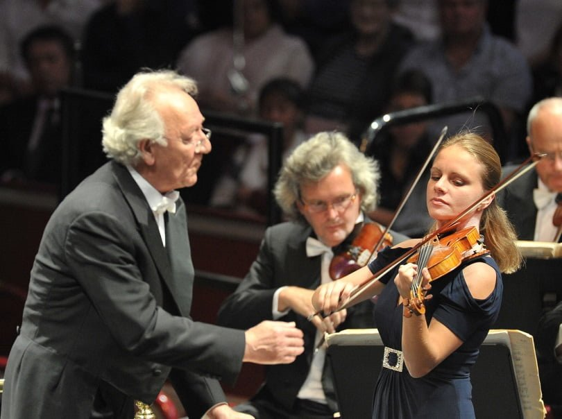 Violinist Julia Fischer performs Tchaikovsky's Violin Concerto with the St Petersburg Philharmonic Orchestra conducted by Yuri Temirkanov at the BBC Proms 2015Photograph: BBC/Chris Christodoulou