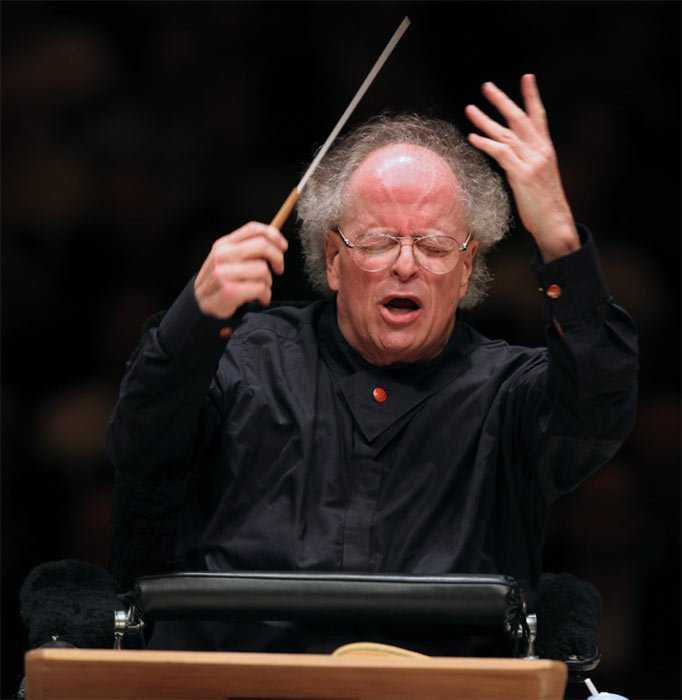 James Levine conducts The MET Orchestra in the Stern Auditorium of Carnegie HallPhotograph: Steve J. Sherman