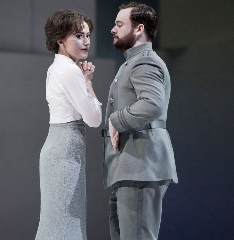 Glyndebourne Festival's production of Berlioz's Béatrice et BénédictStéphanie d'Oustrac as Béatrice & Paul Appleby as BénédictPhotograph: Richard Hubert Smith
