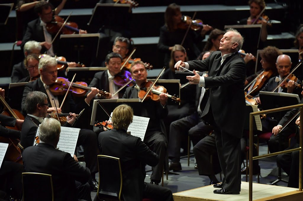 Daniel Barenboim conducts the Staatskapelle Berlin at the BBC Proms 2016Photograph: BBC/Chris Christodoulou