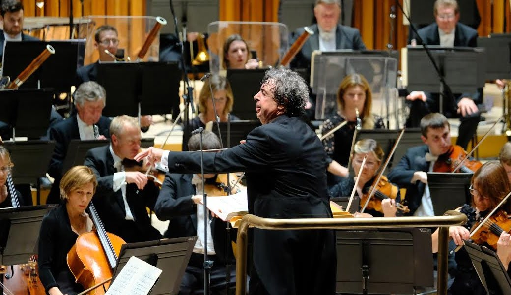 Semyon Bychkov conducts the BBC Symphony Orchestra performing Tchaikovsky's Manfred at the BarbicanPhotograph: BBC/Ellis O'Brien
