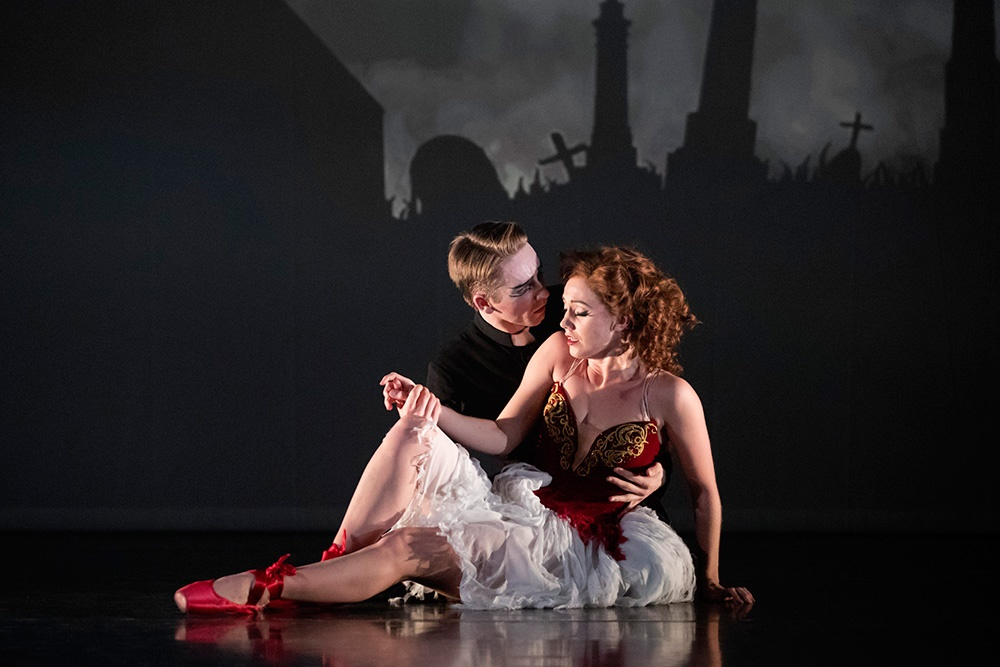Matthew Bourne's The Red ShoesPhotograph: www.sadlerswells.com