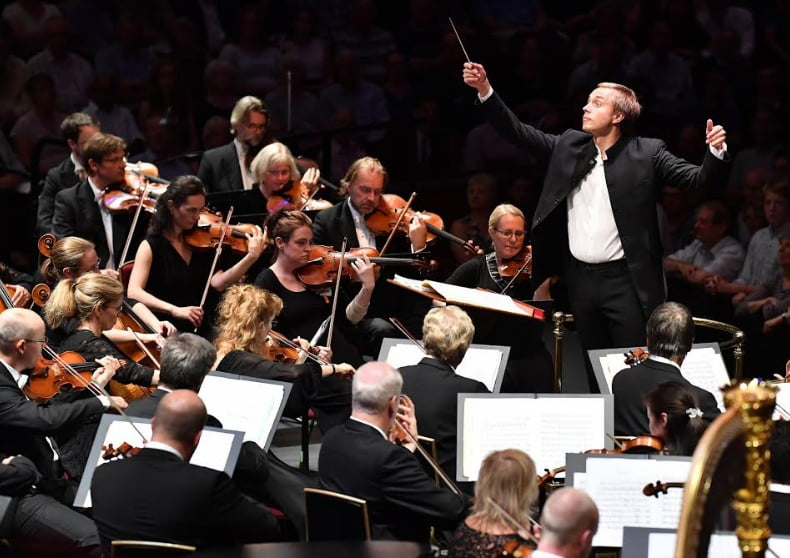 Vasily Petrenko conducts the Oslo Philharmonic at the BBC Proms at the Royal Albert Hall on Tuesday 29 August 2017Photograph: Chris Christodoulou / BBC