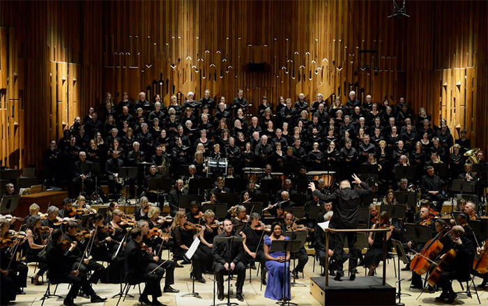 Martyn Brabbins conducts the BBC Symphony Orchestra & Chorus in Vaughan Williams's A Sea Symphony with soprano Elizabeth Llewellyn and baritone Marcus Farnsworth in the Barbican Hall on Friday 13 OctoberPhotograph: BBC / Tom Howard