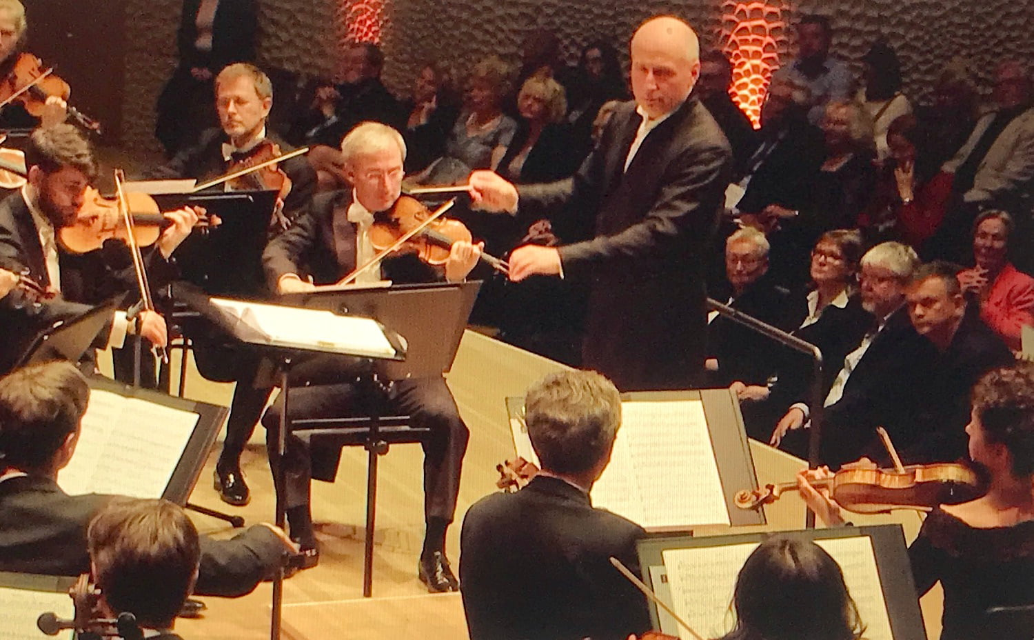 Paavo Järvi conducts NDR Elbphilharmonie Orchester in Großer Saal  at Elbphilharmonie, HamburgPhotograph: Screenshot of the webcast