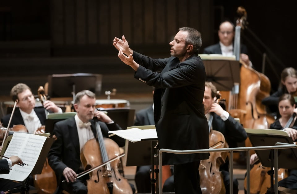 Constantinos Carydis conducts Berliner PhilharmonikerPhotograph: Stephan Rabold