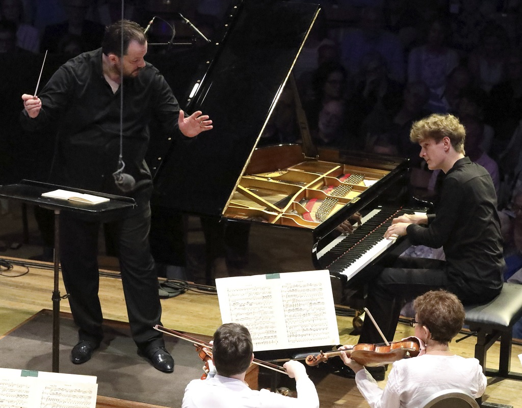 Jan Lisiecki performs Grieg's Piano Concerto with BSO Music Director Andris NelsonsPhotograph: Hilary Scott