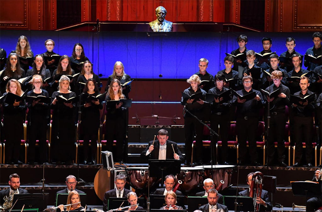 BBC Proms 2019's Prom 14: The BBC Philharmonic and BBC Proms Youth Choir conducted by Omer Meir Wellber perform Haydn's The Creation at the BBC PromsPhotograph: Chris Christodoulou / BBC