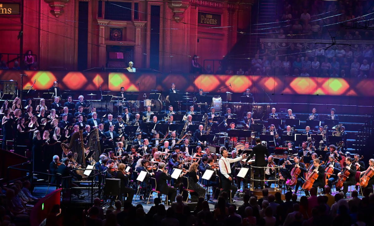 BBC Proms 2019's Prom 29The John Wilson Orchestra perform music of films produced by the Warner Bros. studios during Hollywood's 'Golden Age', joined by a cast of esteemed musical theatre soloists, plus the Maida Vale Singers, who are celebrating its 20th anniversary this yearPhotograph: Mark Allan / BBC