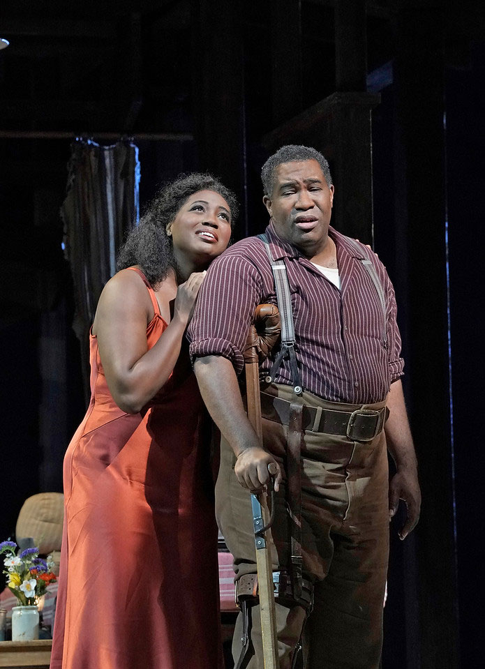 The Metropolitan Opera  – The Gershwins' Porgy and BessAngel Blue as Bess and Eric Owens as PorgyPhotograph: Ken Howard