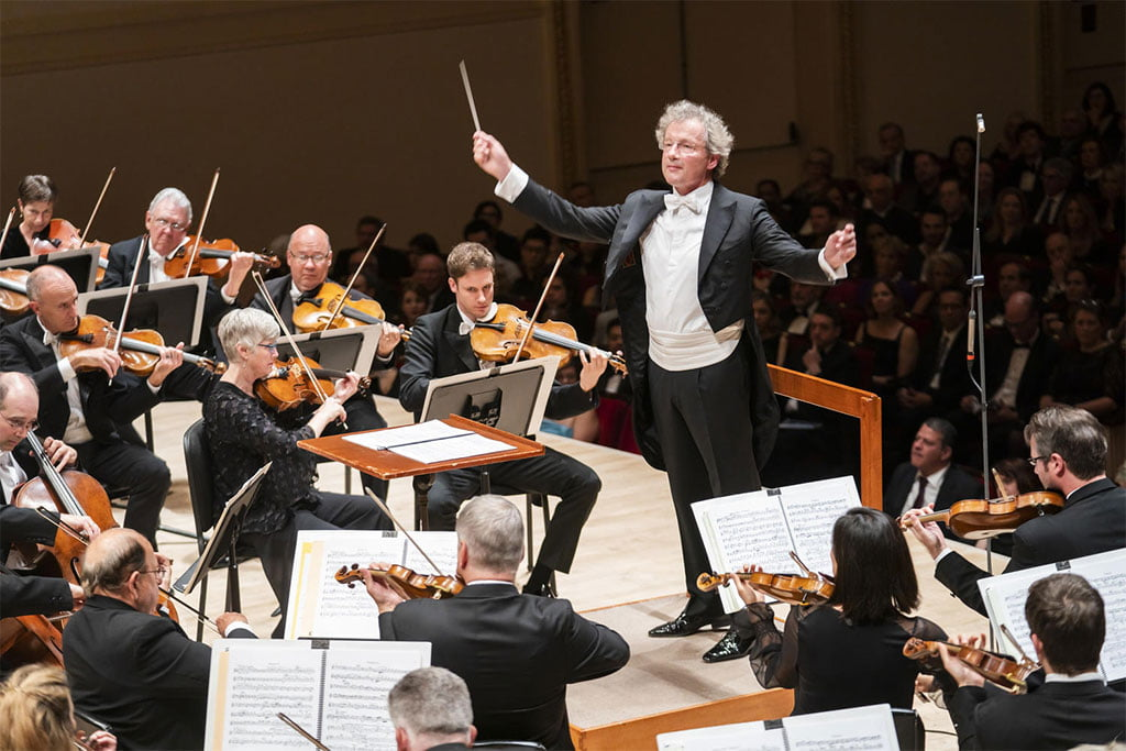Cleveland Orchestra at Carnegie Hall – Franz Welser-Möst conducts at the previous evening's concertPhotograph: ©2019 Chris Lee