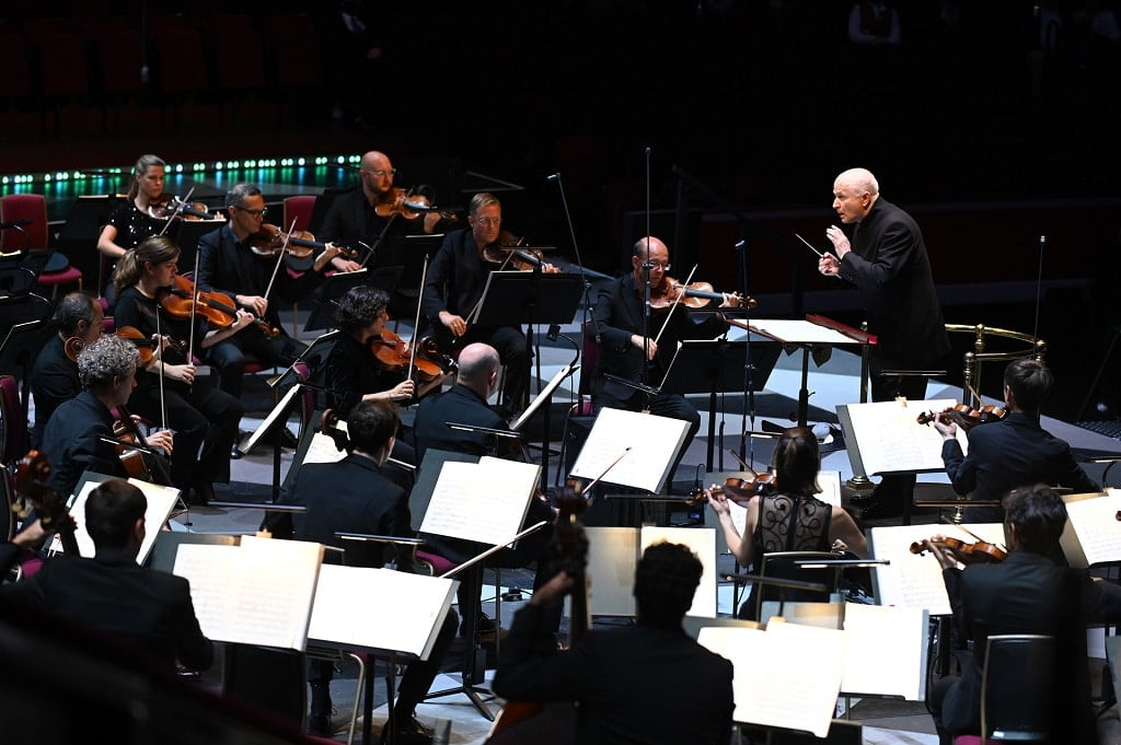 Sir George Benjamin conducts the Mahler Chamber Orchestra at BBC Proms 2021 Photograph: Chris Christodoulou / BBC