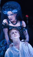 Heather Buck (The Queen of Night) / Andrew Kennedy (Tamino). ©ENO/Robert Workman