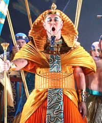 Gwynne Howell as The Pharaoh in ENO's recent Aida. ©ENO/Tristram Kenton
