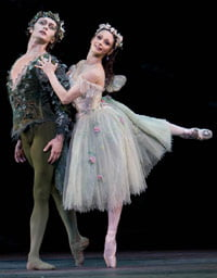 Ivan Putrov as Oberon and Roberta Marquez as Titania in 'The Dream'. ©Bill Cooper