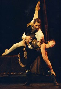 Alina Cojocaru as Mary Vetsera & Johan Kobborg as Prince Rudolf in Mayerling. Photograph: Bill Cooper