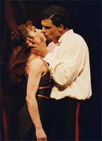 Leanne Benjamin as Mary Vetsera & Carlos Acosta as Prince Rudolf in Mayerling. Photograph: Bill Cooper