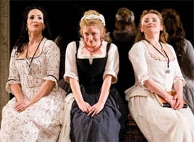 Sophie Bevan (centre) in ENO's Cosi fan tutte. ©Robert Workman