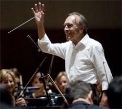 Claudio Abbado conducts the Lucerne Festival Orchestra. Photograph: Fred Toulet