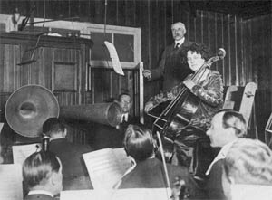 Edward Elgar conducting, with Beatrice Harrison, recording Elgar's Cello Concerto in 1920 for HMV