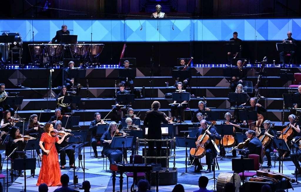 Ilan Volkov conducts Patricia Kopatchinskaja with BBC Scottish Symphony Orchestra at BBC Proms 2021. Photograph: Chris Christodoulou / BBC