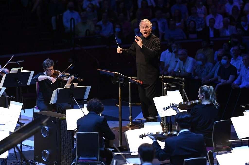 Sir Mark Elder conducts the Hallé at BBC Proms 2021 Photograph: Chris Christoudoulou / BBC